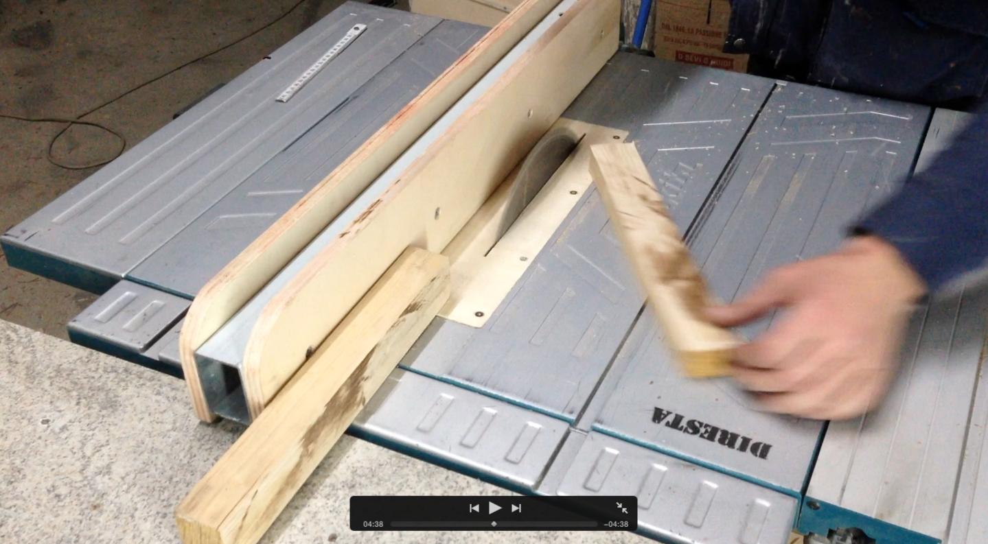 Come costruire un martello in legno una realizzazione for Slitta per sega da banco